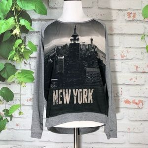 🌷MDG Collection New York Graphic Sweater Top🌷